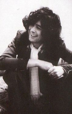Jimmy page and his cute lil smile :)