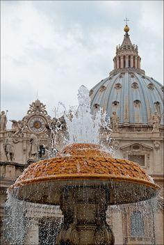Spectacular fountain in Rome, Italy. I really want to go to Rome! Visit Rome, Visit Italy, Wonderful Places, Great Places, Beautiful Places, Oh The Places You'll Go, Places To Travel, Places To Visit, Vatican Rome