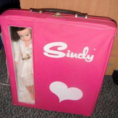 Vintage Sindy Dolls Pink case and assorted clothes Retro Kids, 80s Kids, Sindy Doll, Doll Toys, Vintage Barbie, Vintage Dolls, My Generation, The Old Days, Big Eyes