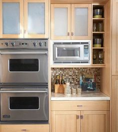 cabinets, design of ovens, microwave . like the entire layout frosted glass on upper cabinets Kitchen Cooker, Kitchen Pantry, Kitchen Reno, Kitchen Layout, New Kitchen, Kitchen Design, Kitchen Cabinets, Kitchen Appliances, Kitchen Ideas