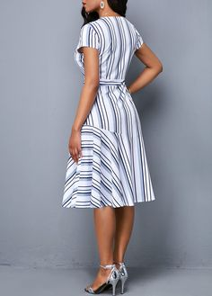 Small special day evening wear, very short sexyhomecoming clothes, and semi-formal designer clothes. Women's Fashion Dresses, Casual Dresses, Short Sleeve Dresses, Spandex Dress, Stripe Print, I Dress, Dress Patterns, Striped Dress, African Fashion