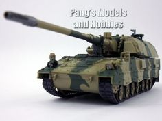 """1:72 Scale Metal Die-Cast – Panzerhaubitze 2000 (""""tank howitzer 2000"""") - Length: 6.25"""" (from end of vehicle to tip of the main gun) Width: 2"""" This Tank Howitzer 2000 tank model's body is made of metal"""