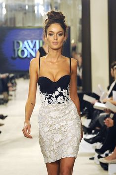 Nicole Trunfio Photos - Nicole Trunfio Models for the David Jones S/S 2011 Fashion Show - Zimbio