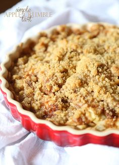 SUPER SImple Apple Crumble Tart...just a few ingredients to a perfectly cozy and delicious dessert! from @cookiesandcups