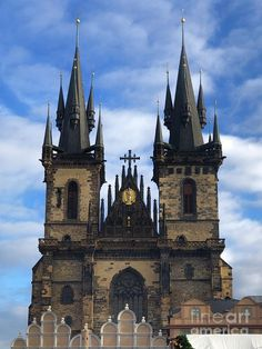 Tyn church is likely the most beautiful example of Gothic style architecture. Located in city center of Prague, it's been the dominant feature of the old town square since century. Gothic Style Architecture, Gothic Architecture, Fine Art Photography, Travel Photography, Prague Old Town, Church Of Our Lady, Old Town Square, Source Of Inspiration, 14th Century