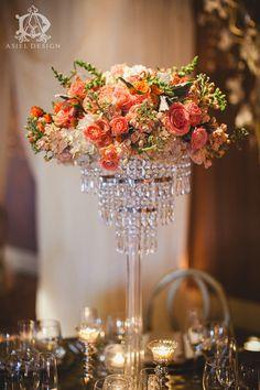 Asiel design | centerpiece | Casa real | chandelier stand |. Wedding | centerpiece | peach| cream | orange | Jennifer Skog Photography