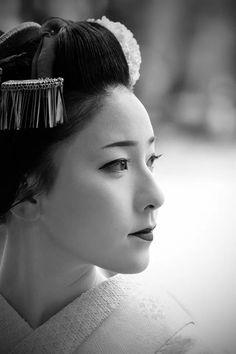 "korbindallaz: "" "" beautiful portrait of Maiko ""… c/o tokyo camera club """