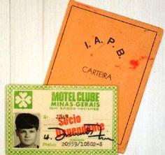 http://fotolog.terra.com.br/cartepostale:489 ) ! Mostrando que JBAN é história e JBAN é uma antigüidade ambulante, mostro as minhas carteirinhas dos extintos Motel Clube de Minas Gerais e do IAPB (Instituto de Aposentadoria e Pensões dos Bancários). O Motel Clube acabou e o IAPB foi encampado/engolido pelo INPS, hoje INSS. JBAN é história ! JBAN é cult...