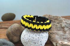Paracordarmband schwarz gelb  http://de.dawanda.com/product/68143707-Paracord---Armband-schwarz---gelb-175cm