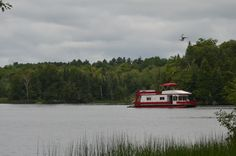Houseboat heading for Youngs Point, Ontario