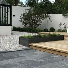 Nästan färdigt resultat hos en kund, här har jag varit med f Small Garden Design, Garden Landscape Design, Courtyard Landscaping, Screen Plants, Outdoor Living Rooms, Garden Cottage, Terrace Garden, Garden Styles, Garden Inspiration