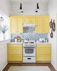 Kitchen Cabinet Colors, Kitchen Paint, Home Decor Kitchen, Kitchen Interior, Home Kitchens, Life Kitchen, Kitchen Ideas, Small Kitchens, Room Kitchen