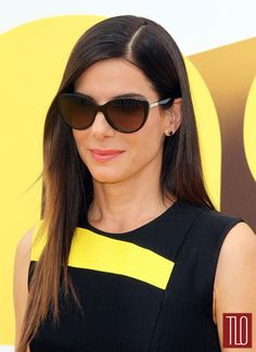 "Oh, NICELY DONE, Sandy. Sandra Bullock attends the premiere of ""Minions"" in Los Angeles, California in a Roksanda dress from the Pre-Fall Sandra Bullock, Stunningly Beautiful, Most Beautiful Women, Sandro, Famous Celebrities, Celebs, Female Celebrities, Rectangle Face, George Lopez"