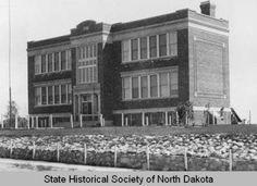 Wachter School, Bismarck, N.D. :: State Historical Society of North Dakota (SHSND)