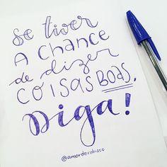 Hoje quase não saiu rabisco, mas me virei com o que tinha. Caneta Bic azul, direto no papel, hoje nem lápis e borracha para ajudar.  Dia 17 - #30diasdehandlettering  #amorderabisco #chance #coisasboas #diga #handlettering #lettering #handfont #canetabic #azulbic #caneta #rabisco #portoalegre #art #instart #caligrafiamoderna Hand Lettering, Arabic Calligraphy, Memes, Paper, Quotes, Art, Blue, Love Phrases, Drawing Techniques