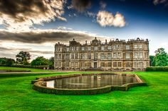 Longleat House is widely regarded as one of the best examples of high Elizabethan architecture in Britain