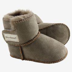 Varme sutsko til baby i lammeskind fra Enfant Mullets, Ugg Boots, Uggs, Baby Shoes, Barn, Clothes, Fashion, Kid, Ugg Slippers