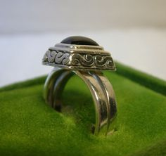 RING,  MALE OR FEMALE,VINTAGE SILVER BANDS,BLACK ONYX STONE, WITH SCROLL MOUNT #HeartLogoonback #DoubleBand
