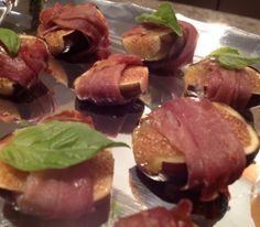 Oven grilled figs with prosciutto.Prosciutto and figs is one of many variations on Italian pairings of sweet and salty.Use Flavor Wave Oven and cook without adding any oil.