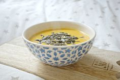 Søtpotetsuppe uten gluten og melk. Denne er perfekt for en tarm i ubalanse og godt for hormonene. Suppe er enkelt og utrolig godt!