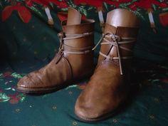 Fiches techniques - Chaussures Médiévales