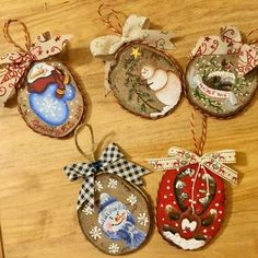 Crafts Rustic Birch tree crafts rustic 32 Ideas for 2019 Christmas Wood Crafts, Wooden Christmas Ornaments, Painted Ornaments, Homemade Christmas, Rustic Christmas, Christmas Art, Christmas Projects, Holiday Crafts, Christmas Decorations