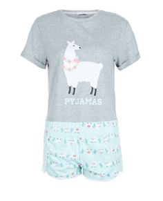 - 1 pyjama top and 1 pair of shorts included- Llama print- Simple short sleeves Cute Pjs, Cute Pajamas, Girls Pajamas, Girls Summer Outfits, Outfits For Teens, Girl Outfits, Cute Outfits, Pajama Outfits, Alpacas