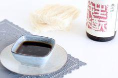 I love teriyaki. En sojasaus. Ik kan het elke dag eten. Dol ben ik op noedels of vlees overgoten met dit soort Aziatische sausjes. En eerlijk is eerlijk: ik koo
