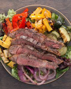Merk dir unbedingt diesen Grillgemüse-Salat mit Steak