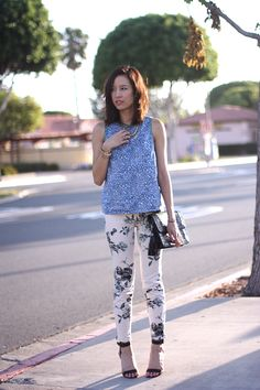 Rachel of That's Chic wearing J Brand printed florals - 835 in Empress #JBrandNYFW
