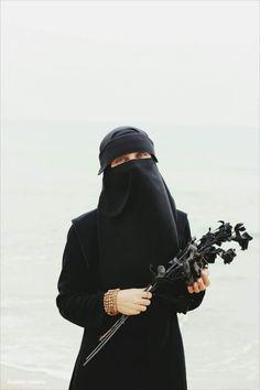 Muslim Girls, Muslim Women, Face Veil, Hijab Niqab, Relationship Goals Pictures, Hijabi Girl, Hijab Dress, Girls Dpz, Car Girls