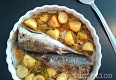 Carapaus no forno, Receita Petitchef Meat, Cooking, Addiction, Cod Fish Recipes, Main Course Dishes, Oven, Pisces, Book, Kitchen