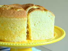 I'm calling it: Chiffon cakes are the most beautiful cakes in the bakery case. They are tall, with an airy, even crumb that promises every bite will be light and fluffy. They don't need lots of layers or fancy frosting to stand out; Lemon Sponge Cake, Sponge Cake Recipes, Dessert Recipes, Birthday Desserts, Angel Cake, Lemon Recipes, Baking Recipes, Lemon Chiffon Cake, Recipes
