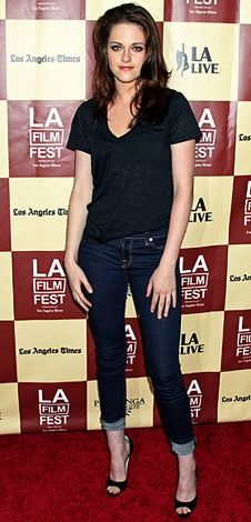 Love this casual look on Kristin Stewart.