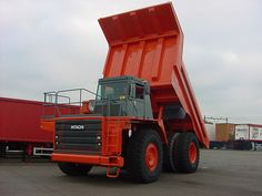 Dimensions LxWxH  (Empty machine)  9,30x4,40x4,62 M    Tires 24.00-35      Low loading height