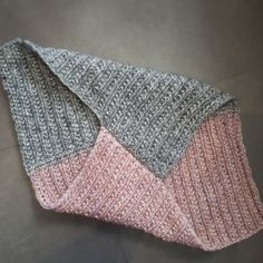 die strickerei minden - Zipfelloop - die strickerei minden – Zipfelloop Imágenes efectivas que le proporcionamos sobre cadeau tekenen - Knitting Needles, Free Knitting, Baby Knitting, Knitting Patterns, Crochet Patterns, Kate Blog, Learn How To Knit, Knitting Projects, Ravelry