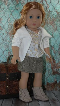 This 18 doll set is made to fit dolls such as the American Girl Doll, Our Generation, and other similar sized dolls.  Listing includes:  *Mini brown