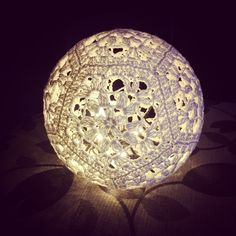 Light Ball, patter in English and Swedish