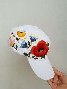 Hand embroidered hat - custom embroidered hat - floral embroidered hat - festival hat - embroidered Custom Embroidered Hats, Embroidered Baseball Caps, Embroidered Clothes, Embroidered Flowers, Hat Embroidery, Hand Embroidery Stitches, Hand Embroidery Designs, Custom Embroidery, Bone Bordado