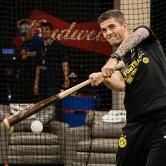 Chelsea Fc Players, Chicago Cubs, Christian Pulisic, Champions Of The World, Chelsea Football, Athletic Men, Uefa Champions League, Football Players, Male Athletes