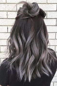 Gray ombre hair color. Hair dyeing ideas.