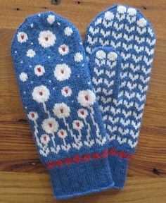 Ravelry: Bloomin' Happy Mittens KAL pattern by Kathy Lewinski Knitted Mittens Pattern, Knit Mittens, Knitted Gloves, Knitting Patterns, Hat Patterns, Stitch Patterns, Ravelry, Wrist Warmers, Hand Warmers