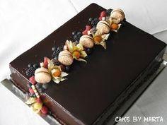 Chocolate mirror glaze - Chocolate mirror glaze, Inspiration for original cakes Chocolate cakes - Chocolate Glaze Cake, Chocolate Mirror Glaze, Chocolate Cake Designs, Chocolate Desserts, Cake Decorating Techniques, Cake Decorating Tips, Sheet Cake Designs, Rectangle Cake, Mirror Glaze Cake