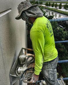 Tilt Panel  #concretecutting #concreteconnection #miami #construction #constructionsite #generalcontractor #concrete #concretelife #handsaw