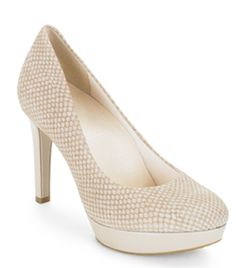 Style Made Comfortable with the Janae Pump
