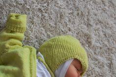 Keväistä suloista. Satunnaisesti puikoilla - käsityöblogi. #neulonta