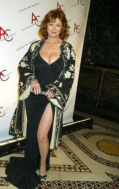 Sexy Older Women, Classy Women, Sexy Women, Beautiful Old Woman, Most Beautiful Women, Susan Sarandon Hot, Hollywood, Jolie Photo, Voluptuous Women