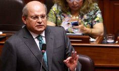 Ministro de Defensa explicó por qué reabrió la oficina de búsqueda de ovnis.