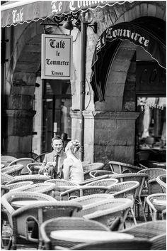 French street cafe    Photography © Awardweddings on French Wedding Style Blog