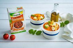 Krem z pomidorów z makaronem z soczewicy i marchewki - Warzywne Inspiracje : Warzywne Inspiracje Mozzarella